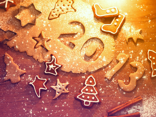 http://25dip.com/wp-content/uploads/2012/12/Holidays_New_Year_wallpapers_Happy_New_2013_year__035215_.jpg