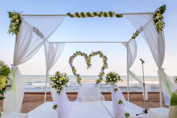 heart theme wedding ceremony